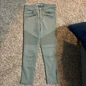 Green zipper detail jeans